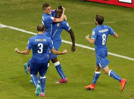 Italia gana 2-1 a Inglaterra en Manaos (Videos)