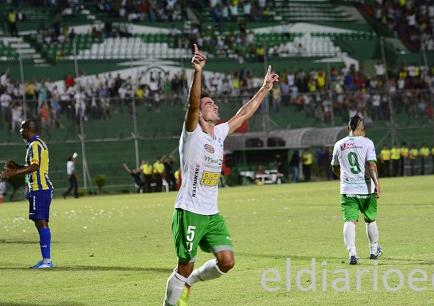 Liga de Portoviejo gana 2-1 a Delfín en el Clásico Manabita