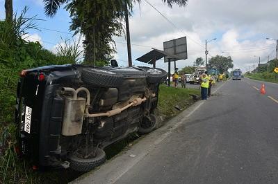 Accidente de tránsito deja tres personas heridas en Santo Domingo