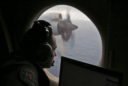 La búsqueda del avión malasio sigue tras 100 días de su desaparición