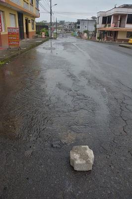 Fuga de agua en la cooperativa Asistencia Municipal de Santo Domingo