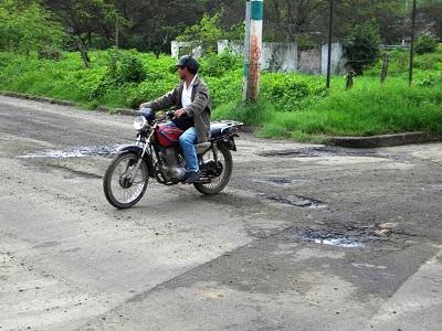 La vía de acceso a Bahía de Caráquez será bacheada
