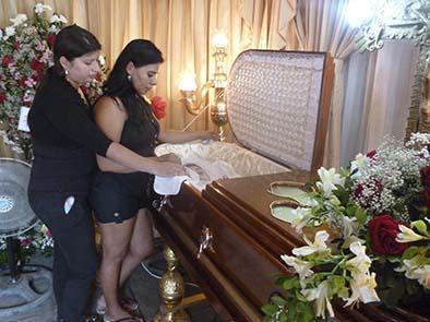 Mujer muere después de 9  horas de agonía