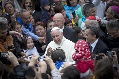El papa Francisco supera los 14 millones de seguidores en Twitter