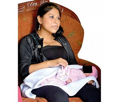 Mujer da a luz con ayuda telefónica