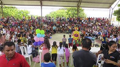 Festejan a niños con juegos, bailes y premios