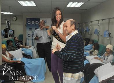 Misses agasajaron a los pacientes de Solca