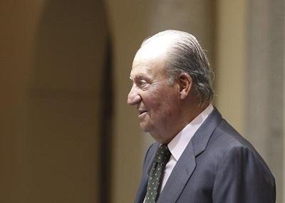 El rey Juan Carlos firma hoy la ley de su propia abdicación