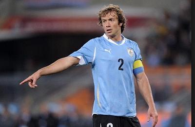 Diego Lugano será baja por lesión frente a Inglaterra