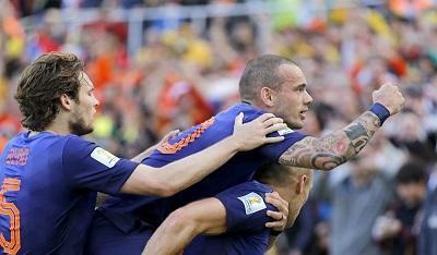 Holanda vence 3-2 a Australia y está clasificado a octavos de final