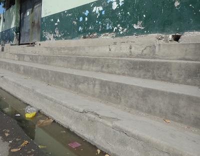 Reboses afectan a escuela en el Jocay