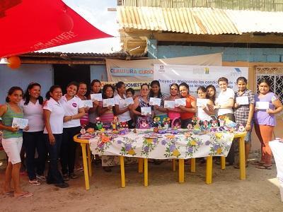 Mujeres participan en cursos de economía doméstica y nutrición