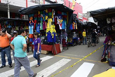 Ubican a 44 comerciantes en un tramo de la Chile