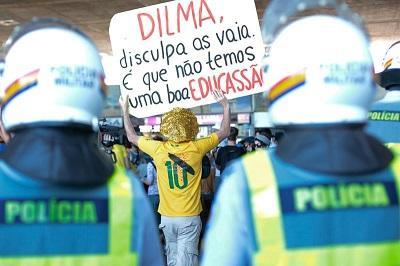 Protesta en Sao Paulo por transporte deriva en actos de vandalismo