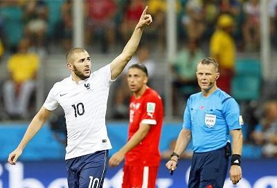 Francia pasa a octavos de final tras golear a Suiza 5-2