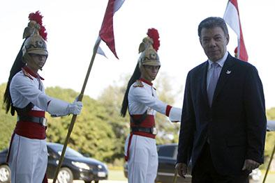 Santos destaca diálogos con ELN
