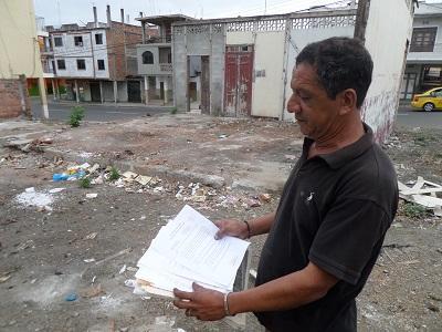 Moradores del barrio Royal reclaman por un terreno lleno de basura
