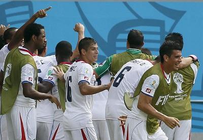 Costa Rica vence por 1-0 a Italia y clasifica a octavos de final