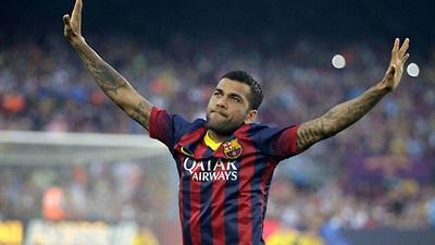 Dani Alves dice que le motivaría el fichaje de Cuadrado por el Barça