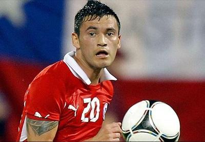 El chileno Aránguiz prefiere no jugar contra Holanda para evitar sanción en octavos