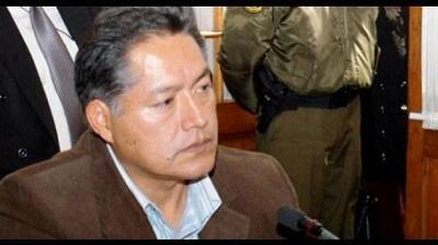 Condenan a 20 años a exalcalde boliviano por violar a su hija