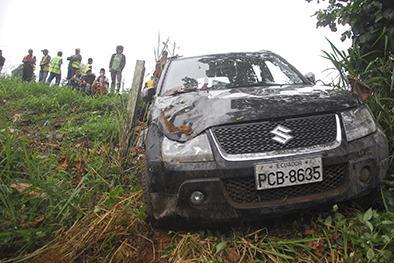 Vuelco de un vehículo deja una mujer herida
