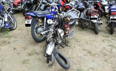 Dos motociclistas resultan heridos en accidente de tránsito