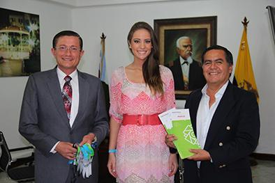 Alejandra Argudo recibe apoyo del municipio