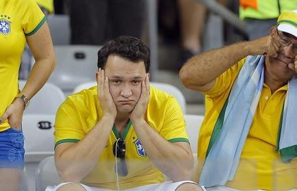 Brasil abucheado a su salida de la cancha del Mineirao