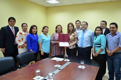 La Universidad San Gregorio de Portoviejo recibe formalmente su acreditación
