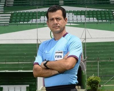 El manabita Carlos Vera será el cuarto juez de la final del Mundial