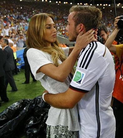 El triunfo alemán se selló con besos
