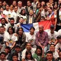 Organizan ceremonia de lucha contra el cáncer en Santo Domingo