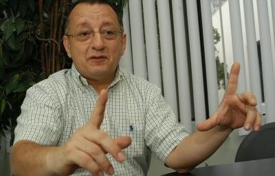 La SIP condena amenazas del presidente Correa contra Emilio Palacio