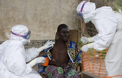 Recomiendan a ecuatorianos evitar viajes a países afectados por el ébola