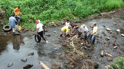 Moradores de la parroquia Monterrey se unen para salvar el río Diablo