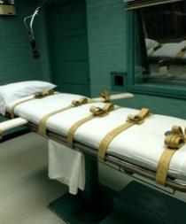Texas ejecuta a mujer condenada por dejar morir de hambre a un niño de 9 años