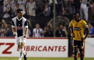Barcelona fue eliminado de la Copa Sudamericana al caer 0-2 ante Libertad