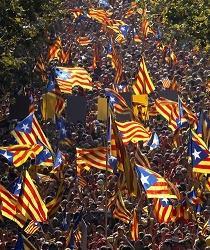 Parlamento de Cataluña aprobó una ley para convocar una consulta soberanista