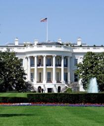 Evacúan la Casa Blanca por un intruso que saltó la verja