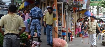 El desalojo de los comerciantes de la calle Ambato muestra dos realidades
