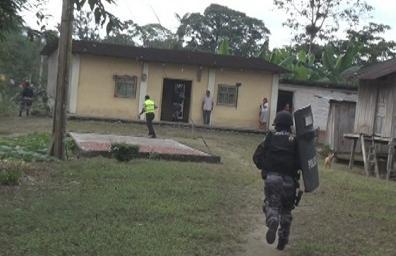 Policía busca al presunto asesino de dos mujeres en Santo Domingo