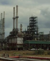 Mayor refinería de Ecuador paralizará su actividad 40 días por mantenimiento