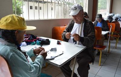 Adultos mayores de casa hogar Santa Ana y San Joaquín celebran hoy su día entre alegría y olvido