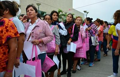 Dos mil mujeres participaron en la jornada contra el cáncer de mama en Santo Domingo