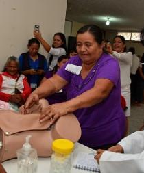 Ministerio de Salud capacita a parteras de Santo Domingo