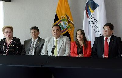 Corte Constitucional aprueba enmienda para eventual reelección de Correa
