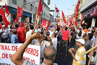 Marcha reunió a miles