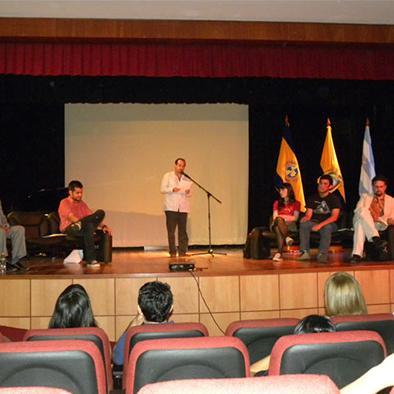 Festival poético habla de desafíos sudamericanos