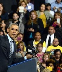 Obama, apoyado por latinos, dice que luchará por una reforma migratoria